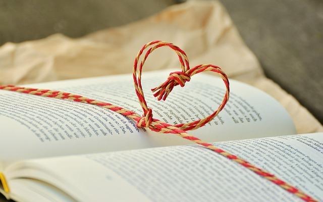 book_1760998_640.jpg