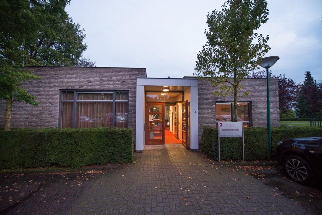 Uitvaartcentrum - Foto: Johan Horst